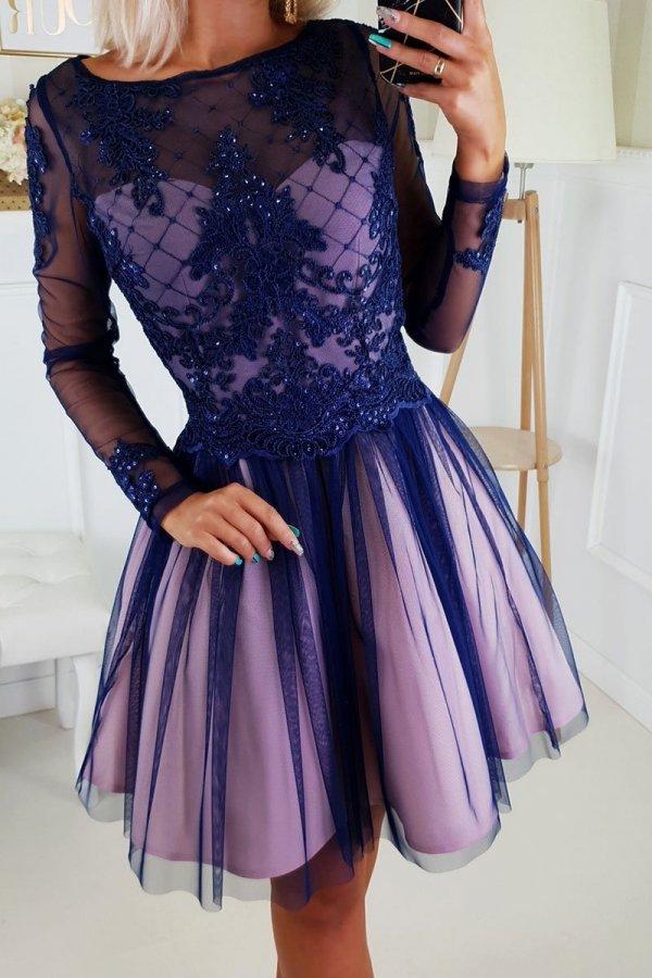 Rozkloszowana sukienka z błyskiem 2194-11-2