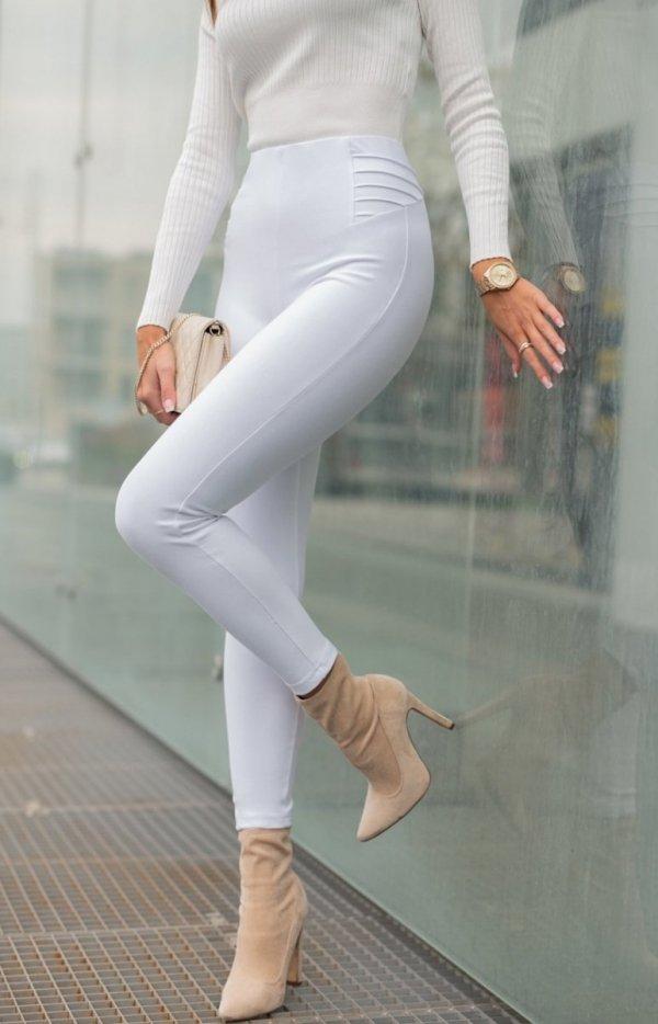 Modelujące białe spodnie Lola Fashion