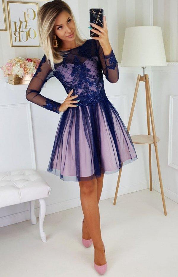 Rozkloszowana sukienka z błyskiem 2194-11-1