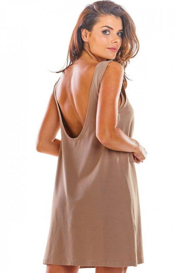 Luźna sukienka z dekoltem na plecach beżowa M204 tył