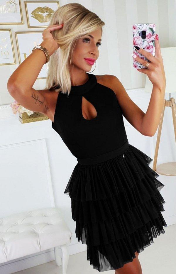 Wieczorowa czarna sukienka z falbankami 2188-06