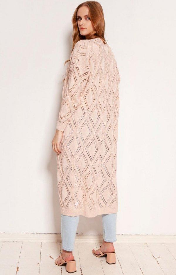 Długi ażurowy kardigan damski różowy SWE145 tył