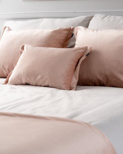 Różowy 4 elementowy komplet sypialniany