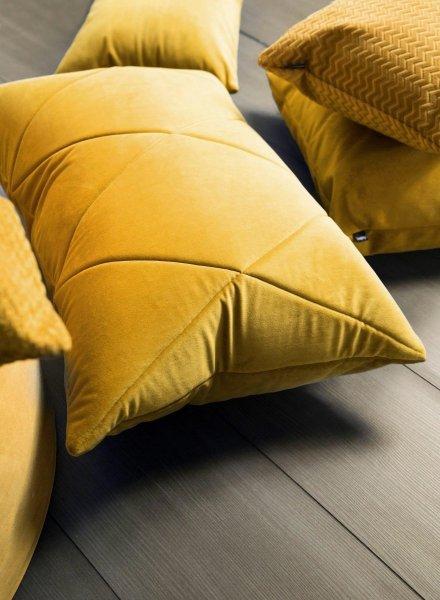 Touch poduszka dekoracyjna złota 60x40 MOODI