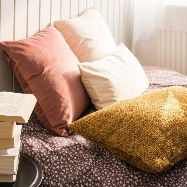 Velvet ciemno różowa poduszka dekoracyjna 45x45