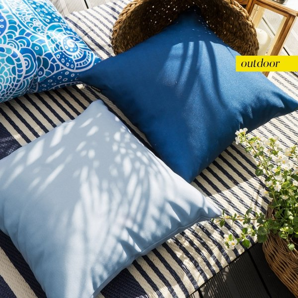 Granatowa poduszka ogrodowa 45x45