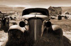 Fototapeta na ścianę - Rosty Car - 175x115 cm