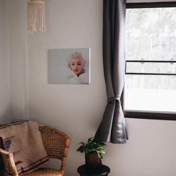 Marilyn Monroe w bieli - obraz na płótnie