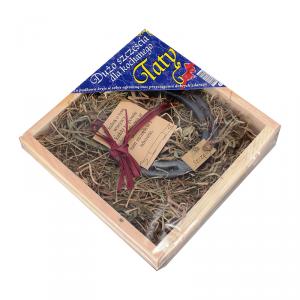 Drewniana skrzynka z metalową podkow na szczęście ' Dla Taty'