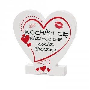 Drewniana tabliczka serce z podstawką Kocham Cię każdego dnia coraz bardziej
