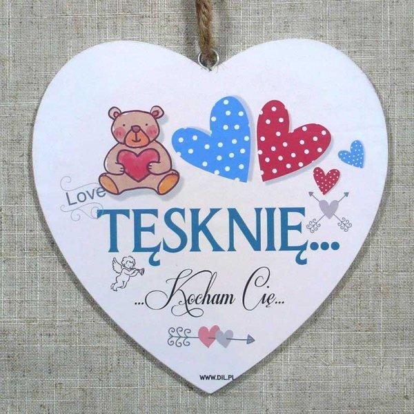 Drewniana tabliczka w kształcie serca z napisem 'Tęsknię...Kocham Cię'.Wzór 71. Rozmiar 7 cm